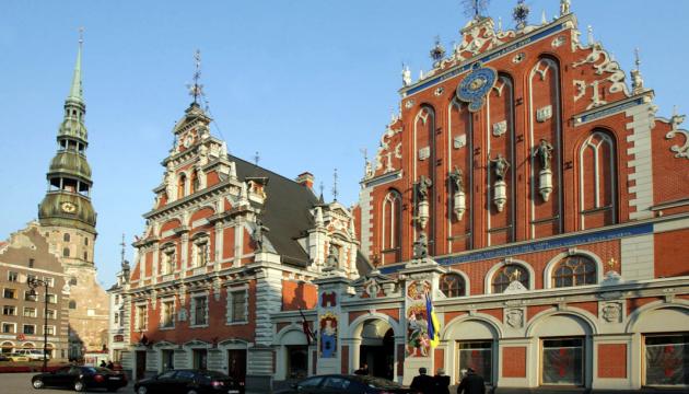 Рига планирует ввести туристический налог