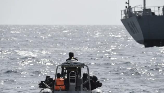 Авария судна у Камеруна унесла жизни уже 17 человек