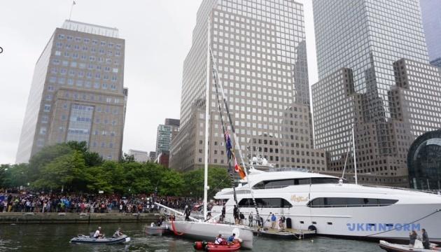 Екоактивістка перепливла на яхті Атлантичний океан і дісталася до Нью-Йорка