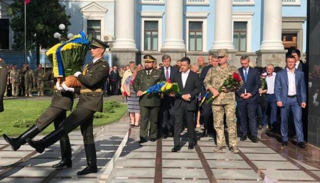 Zelensky commemorates fallen defenders of Ukraine. Photos, video