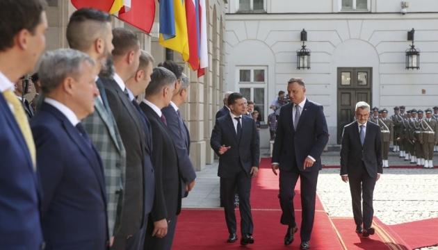 Президент Украины завершил визит в Польшу