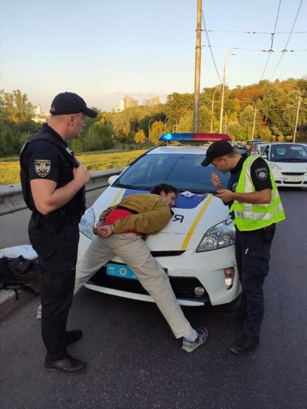 1567791348 797 - У Києві затримали чоловіка, який стріляв у пасажирів тролейбуса
