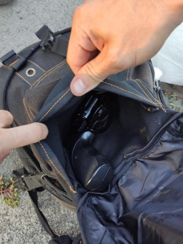1567791437 386 - У Києві затримали чоловіка, який стріляв у пасажирів тролейбуса