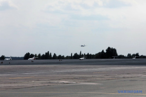 Un avion avec des Ukrainiens libérés, dont Roman Souchtchenko, a atterri à l'aéroport de Boryspil (photos, vidéo)