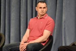 Сенцов став на облік у київському військкоматі