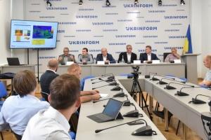 Неефективні закупівлі вуличного освітлення  у Києві: хто винен?