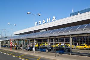 Kyiv Not Kiev: празький аеропорт також перейшов на коректне написання столиці України