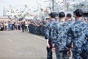 Освобождённые из российского плена моряки вернулись в Одессу