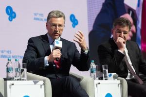Украину не будут подталкивать к выборам на условиях РФ - Волкер