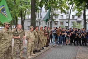 """""""Праві"""" активісти вимагали звільнити трьох затриманих після ХарківПрайду"""