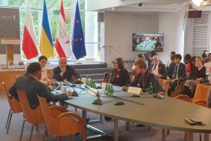 """У """"Слузі народу"""" вважають, що Україна і Польща мають перегорнути сторінки складної історії"""