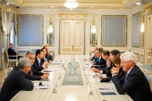 Zelensky: Ucrania dispuesta a desarrollar la cooperación con el BERD