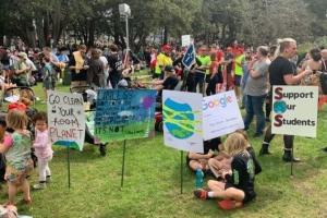 Боротьба за клімат: австралійці вийшли на вулиці в рамках глобальної акції протесту