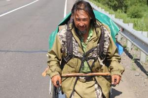Шамана, який ішов виганяти Путіна, привезли до психлікарні у Якутську