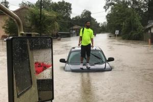 """Тропічний шторм """"Імельда"""" накрив Техас, є загиблі"""