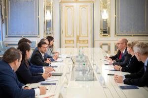 Zelensky se reúne con representantes del FMI (Fotos)