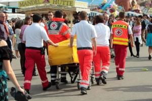 На Октоберфесте первые пострадавшие обратились к врачам уже через 1О минут