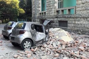 В результате землетрясения в Албании легкие травмы получили около 70 человек