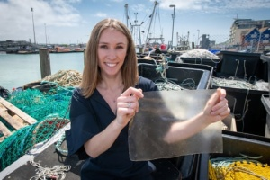 Британська випускниця створила біопластик з рибних відходів