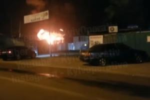 У столичній Дарниці серйозна пожежа, чути вибухи