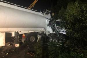 На Житомирщине грузовик столкнулся с автобусом: девять погибших