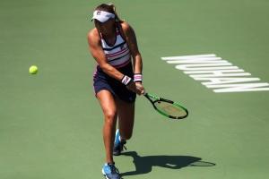 Козлова досрочно завершила выступление на теннисном турнире в Ухане