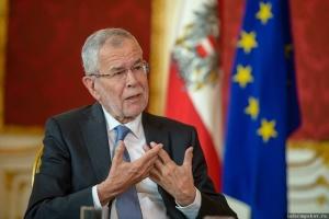 Президент Австрії порушив коронавірусний карантин