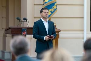 Перед Днем захисника Зеленський звернувся до учасників акцій та силовиків