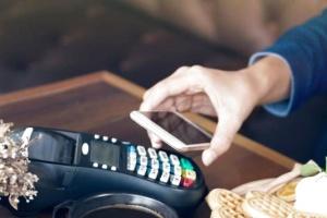 """В Україні запускають """"касовий апарат у смартфоні"""": що це означає для бізнесу"""