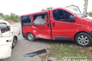 На Донеччині зіткнулися два авто: десять травмованих, з них троє – діти