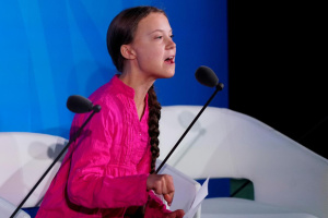 Грета Тунберг закликає до справедливого розподілу COVID-вакцин
