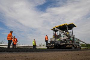 Будівництво доріг: Кабмін розраховує на оптимістичний сценарій фінансування