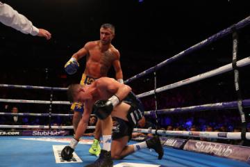 Lomachenko reconocido como el mejor boxeador de la AMB en agosto