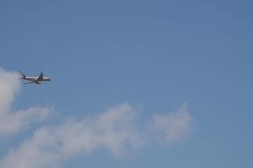 ウクライナとロシアの各空港から拘束者を乗せた飛行機がそれぞれ出発