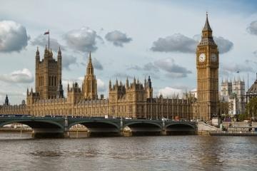 Ukrainians advised to refrain from travel to UK