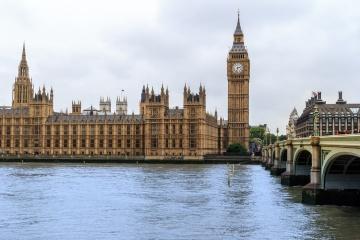 La Grande-Bretagne a annoncé la levée d'une partie des sanctions de la Russie