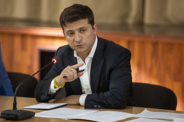 Zelensky orders simplification of rules for crossing checkpoints in Donbas