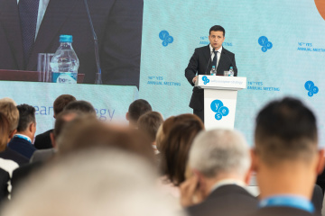 Zelensky insists on maintaining sanctions against Russia until peace restored