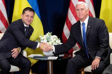 Zełenski rozmawiał z Pencem o amerykańskiej pomocy obronnej i energetyce