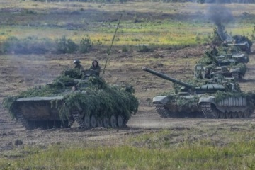 Russia moves tanks to border with Ukraine - InformNapalm