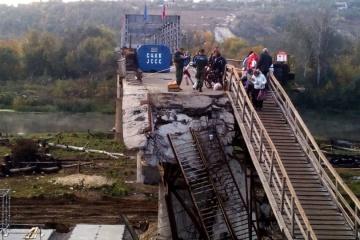 ウクライナ側、スタニツャ・ルハンシカ橋の修理準備を継続