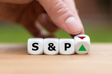 S&P raises Ukraine ratings, outlook stable