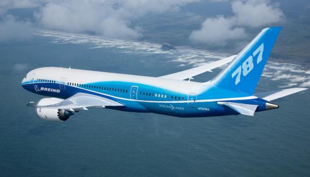 Пасажирський Boeing перенаправили до Японії через тріщину в лобовому склі