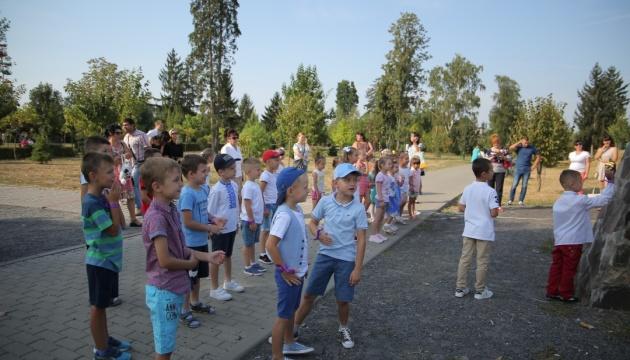 У Мукачеві на День знань першачкам організували майстеркласи та флешмоби