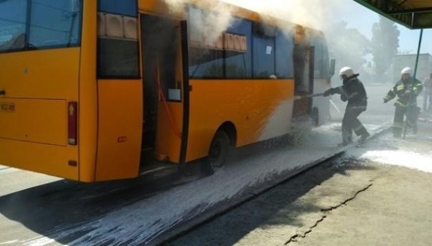У Тернополі маршрутка спалахнула на ходу