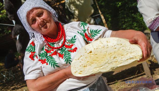 На закарпатському фестивалі готуватимуть ексклюзивні страви з бриндзі