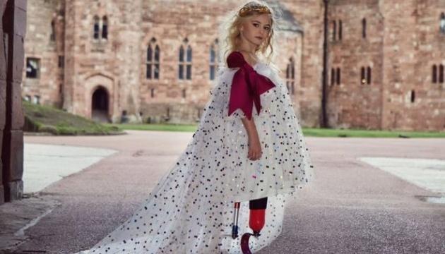 В неделе моды в Нью-Йорке примет участие 9-летняя девочка без ног