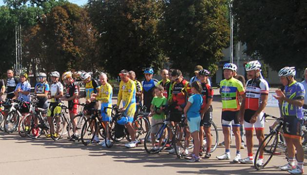 У Хмельницькому відбулися велоперегони братів Стародубів