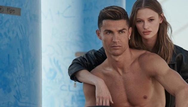 Українська модель знялася з Кріштіану Роналду в рекламі його бренду