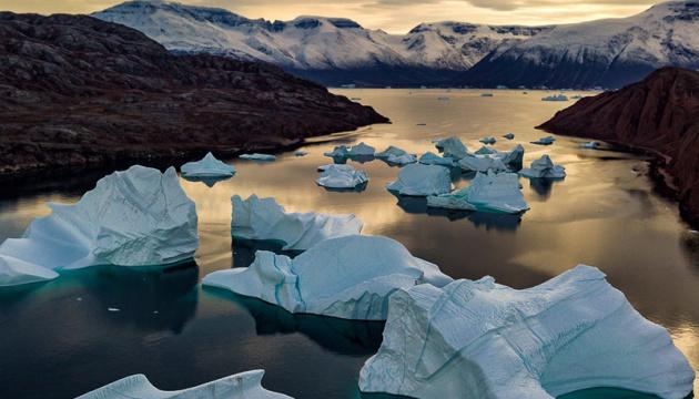 Глобальне потепління: від Гренландії відколовся величезний шматок криги